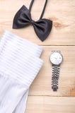 Schwarze Fliege mit Uhr und Hemd Lizenzfreies Stockbild
