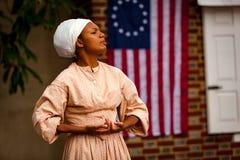 Schwarze Frau, die von der Freiheit spricht lizenzfreies stockbild