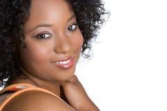 Schwarze Frauen-Lächeln lizenzfreies stockfoto