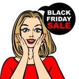 Schwarze Freitag-Verkaufsblase und -Pop-Art erstaunten nettes Mädchen Lizenzfreies Stockfoto