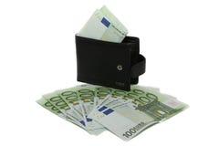 Schwarze Geldbörse mit lösen Euros ein Stockfotos