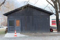 Schwarze hölzerne Werkstatt Stockbild