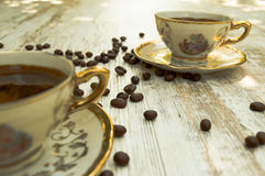 Schwarze Kaffeetassen 2 Stockfotos