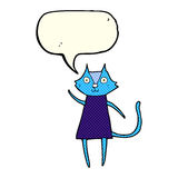 schwarze Katze der netten Karikatur, die mit Spracheblase wellenartig bewegt Lizenzfreie Stockfotografie