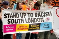 Schwarze Leben sind von Bedeutung,/stehen oben Rassismus-Demonstrationszug Stockbild