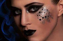 Schwarze Lippen und Augen der Mode Stockfoto