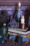 Schwarze magische Banne Banne und Kräuter Wiccan Stockfoto