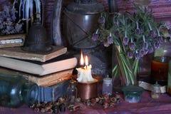 Schwarze magische Banne Banne und Kräuter Wiccan Stockbild