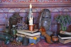 Schwarze magische Banne Banne und Kräuter Wiccan Lizenzfreies Stockfoto