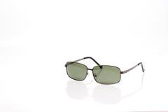 Schwarze noble Sonnenbrillen mit schwarzer Linse Stockfoto