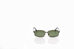 Schwarze noble Sonnenbrillen mit schwarzer Linse Stockbilder