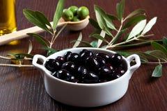 Schwarze Oliven Stockbilder