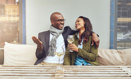 Schwarze Paare auf einem Datum Stockbild