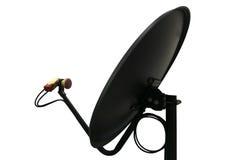 Schwarze Satellitenschüssel auf weißem Hintergrund Stockbild