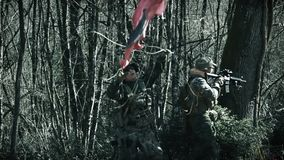Schwarze Schädel-Soldaten, airsoft Team stock footage