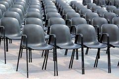 Schwarze Stühle Lizenzfreies Stockfoto