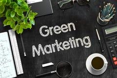Schwarze Tafel mit grünem Marketing-Konzept Wiedergabe 3d Lizenzfreie Stockfotografie