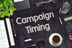 Schwarze Tafel mit Kampagnen-TIMING-Konzept Wiedergabe 3d Lizenzfreies Stockbild