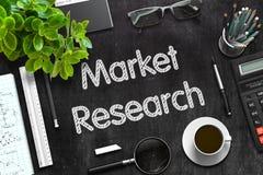 Schwarze Tafel mit Marktforschungs-Konzept Wiedergabe 3d Stockfoto