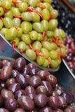 Schwarze und grüne Olive Lizenzfreie Stockbilder