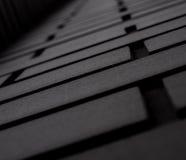 Schwarze Wand des Ziegelsteines Klassische Fassade Lizenzfreies Stockfoto