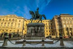 Schwarzenbergplatz di Vienna nella città giù Fotografie Stock Libere da Diritti