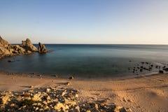 Schwarzer Felsen Luz Beach lizenzfreie stockfotografie