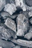 Schwarzer Holzkohlenbeschaffenheitshintergrund Stockbilder