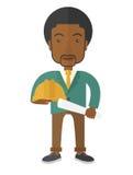 Schwarzer junger Bauarbeiter, der Schutzhelm hält stock abbildung