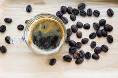 Schwarzer Kaffee im Glas Stockfoto