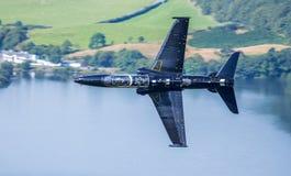 Schwarzer Kampfflugzeug T2-Falke Lizenzfreie Stockbilder