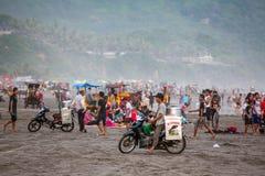 Schwarzer Sand Parangtritis-Strand in Java, Indonesien Lizenzfreies Stockfoto