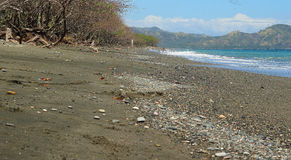 Schwarzer Sand-Strand Lizenzfreies Stockbild