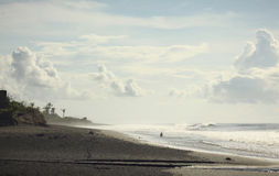Schwarzer Sand-Strand Stockfotos
