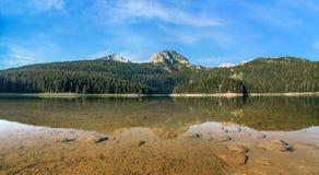 Schwarzer See in Durmitor Montenegro stockbilder