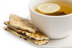 Schwarzer Tee mit Zitrone Stockfotos