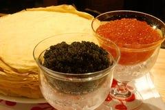 Schwarzer und roter Kaviar Stockfotos