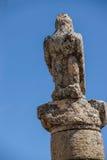 Schwarzer Vogel, Adlerstatue Stockbild