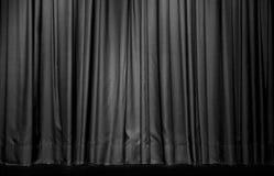 Schwarzer Vorhang im Theater lizenzfreies stockbild
