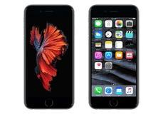 Schwarzes Apple-iPhone 6S mit IOS 9 und dynamischer Tapete Stockfotografie