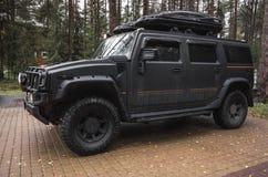 Schwarzes Auto Hummers H2, Abschluss oben Lizenzfreie Stockfotografie