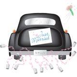 Schwarzes Auto mit gerade verheiratetem Zeichen Stockfotos