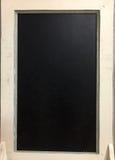 Schwarzes Brett mit weißem Rahmen stockfotos