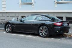 Schwarzes granturismo Maserati geparkt in der Straße Stockfoto