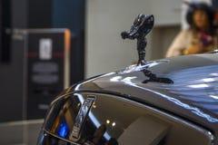 Schwarzes Luxusauto-konvertierbare Rolls- Roycedämmerung auf Ausstellung Mitte BMW-BORTE, München, Deutschland Stockbild