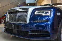 Schwarzes Luxusauto-konvertierbare Rolls- Roycedämmerung auf Ausstellung Mitte BMW-BORTE, München, Deutschland Lizenzfreies Stockfoto