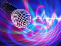 Schwarzes Mikrofon auf einem abstrakten Hintergrund Stockfotos