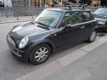 schwarzes Miniauto in Hamburg Lizenzfreie Stockfotos