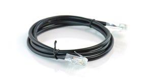 Schwarzes Netz-Ethernet-Verbindungskabel mit Verbindungsstück RJ-45 Stockfotos