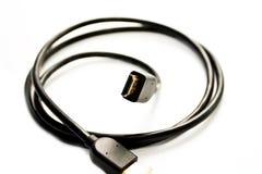 Schwarzes Netzkabel für eine Signalübertragung Stockfotos
